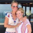 Laeticia Hallyday et Hélène Darroze fêtent la victoire de l'équipe de France, championne du monde, à Saint-Barthélemy le 15 juillet 2018.