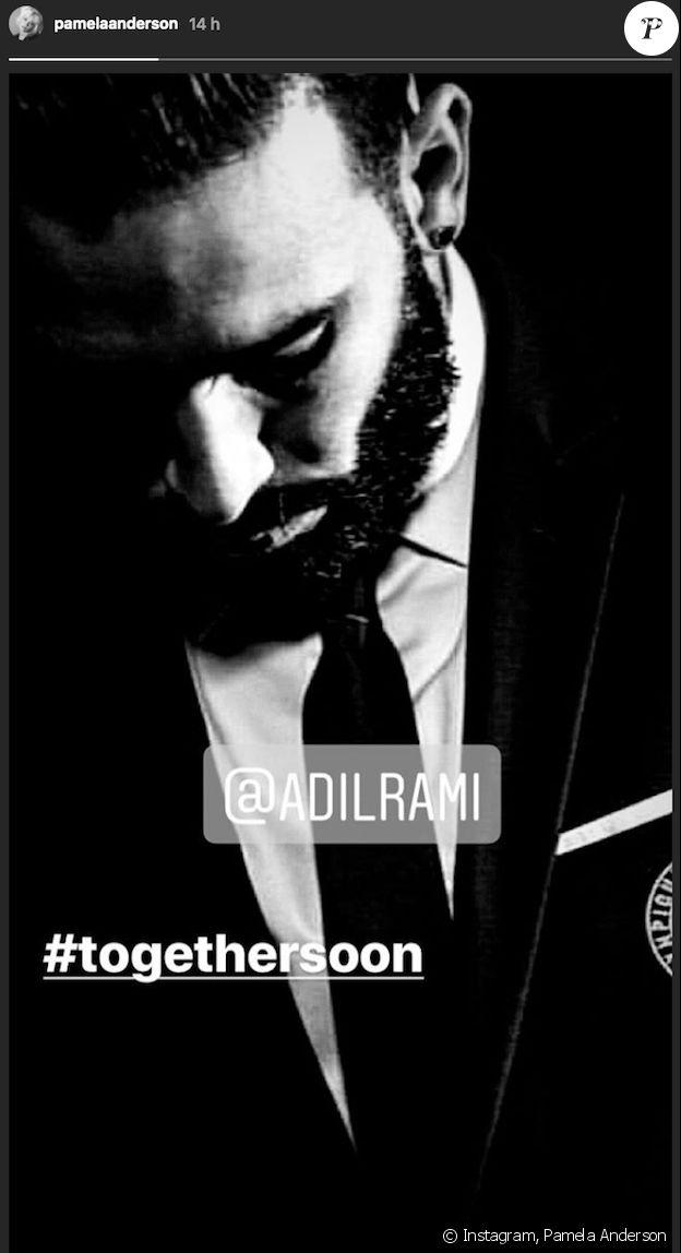 """Pamela Anderson se réjouit de retrouver """"bientôt"""" son chéri Adil Rami sur Instagram le 5 août 2018."""