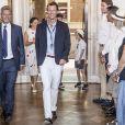 Le prince Joachim de Danemark avait avec lui ses fils le prince Henrik (avec le panama) et le prince Felix (en arrière-plan) lors de la réception pour le Grand Prix Historique de Copenhague à l'Hôtel de Ville de la capitale danoise le 3 août 2018.