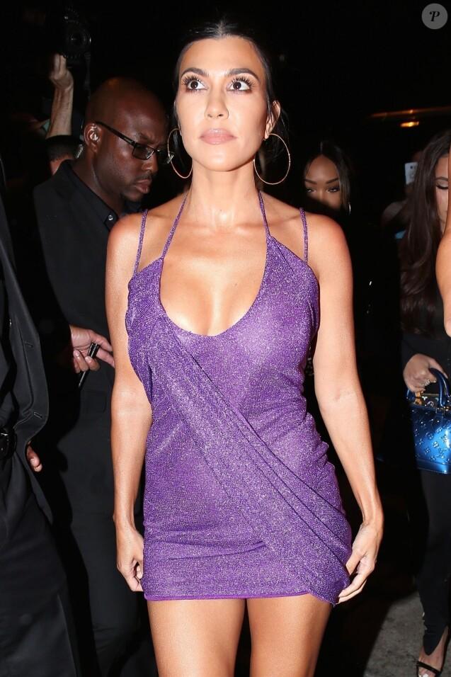 """Kourtney Kardashian - Arrivées et sorties des célébrités venues au restaurant """"Craig's"""" puis au club """"Delilah"""" pour célébrer les 21 ans de Kylie Jenner à Los Angeles, le 9 août 2018."""