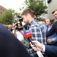 Danny Cipriani quitte le tribunal de Jersey. Le joueur de rugby anglais y a plaidé coupable d'agression et de refus d'obtempérer. Le 16 août 2018.