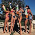 Piscine party pour Kendall Jenner et Kourtney Kardashian sur Instagram, ce 28 mai 2018.