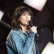 """Charlotte Gainsbourg révèle ce qui rendait son père """"fou de jalousie"""""""