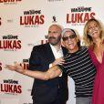 """Julien Leclercq, Jean-Claude Van Damme, Sveva Alviti lors de l'avant-première du film """"Lukas"""" à Paris le 20 août 2018."""