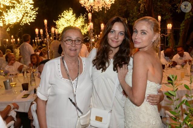 Exclusif , Emmanuelle Béart avec sa maman Geneviève Galéa et sa fille Nelly  Auteuil , 20ème