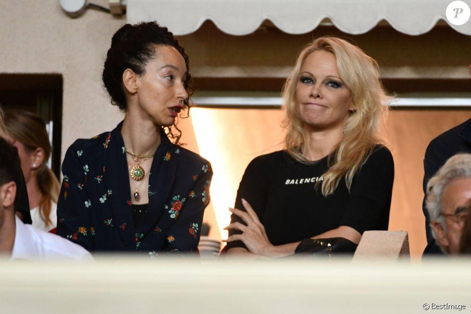 Exclusif - Pamela Anderson, compagne d'Adil Rami, lors du match de Ligue 1 entre l'AS Monaco et l'Olympique de Marseille au stade Louis II le 2 septembre 2018. © Bruno Bebert/Bestimage