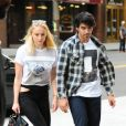Joe Jonas et sa fiancée Sophie Turner rejoignent l'appartement de Priyanka Chopra à New York, le 4 septembre 2018.