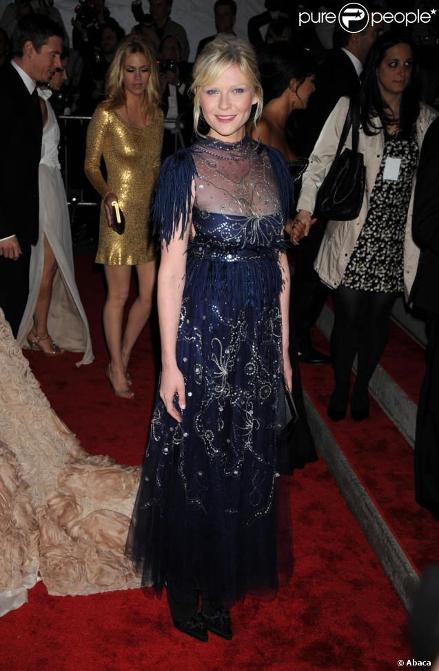 Kirsten Dunst en Chanel à la soirée Costume Institute au Metropolitan Museum of Art de New York, le 4 mai 2009