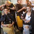 Bella Hadid et Kendall Jenner - Coulisses du défilé Off-White™ collection prêt-à-porter printemps-été 2019 lors de la Fashion Week de Paris, le 27 septembre 2018. © Ramsamy Veeren/Bestimage