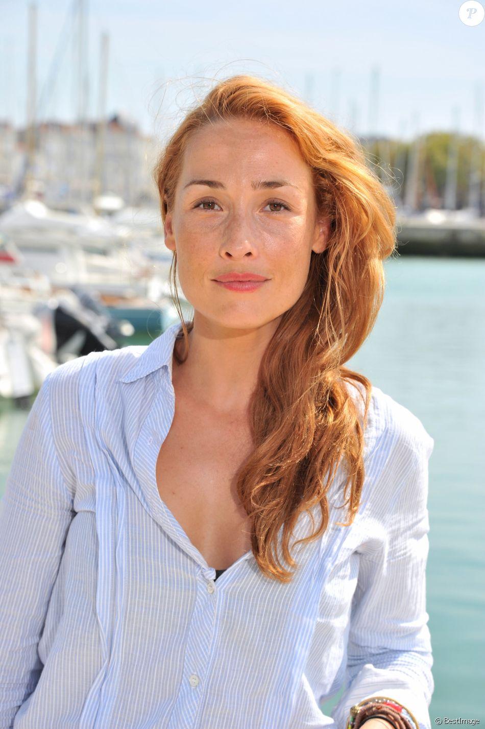Annelise Hesme Nude Photos 35