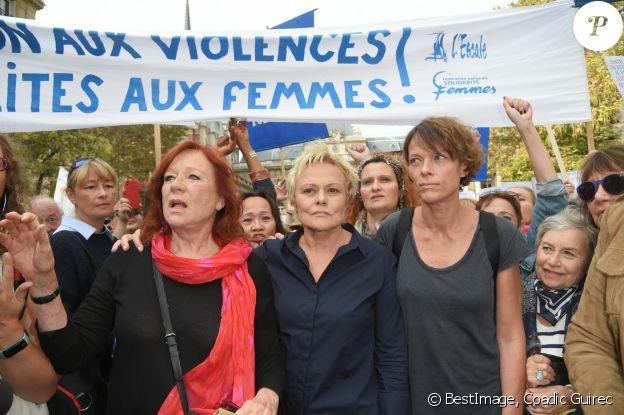 Eva Darlan, Muriel Robin et sa compagne Anne Le Nen - Grand rassemblement contre les violences faites aux femmes à l'appel de Muriel Robin au Palais de Justice de Paris, le samedi 6 octobre 2018. © Coadic Guirec / Bestimage