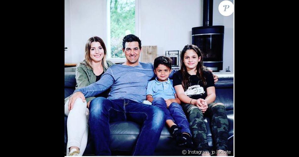 """Jean-Pascal Lacoste, sa compagne Delphine Tellier, et ses deux enfants, Kylie et Maverick à l'affiche de l'émission """"Vous avez un colis"""" (6ter) - Instagram, 2018"""