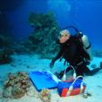 André Laban en pleine peinture sous-marine (non daté)