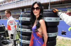 La sexy Nicole Scherzinger, magnifique, a soutenu son amoureux Lewis Hamilton... qui a perdu le Grand Prix d'Espagne !