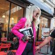 Laeticia Hallyday sort d'un rendez-vous avec Sébastien Farran à Paris le 16 octobre 2018.