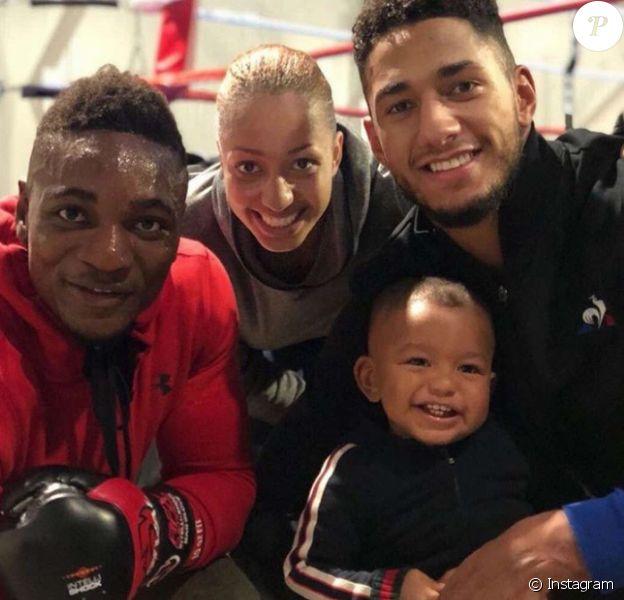 Tony Yoka et Estelle Yoka Mossely avec leur fils Ali et Christian Mbilli au lendemain d'une victoire de celui-ci, photo Instagram du 12 octobre 2018.