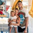 Tony Yoka et Estelle Mossely, photo Instagram pour le 1er anniversaire de leur fils Ali, publiée le 8 août 2018.