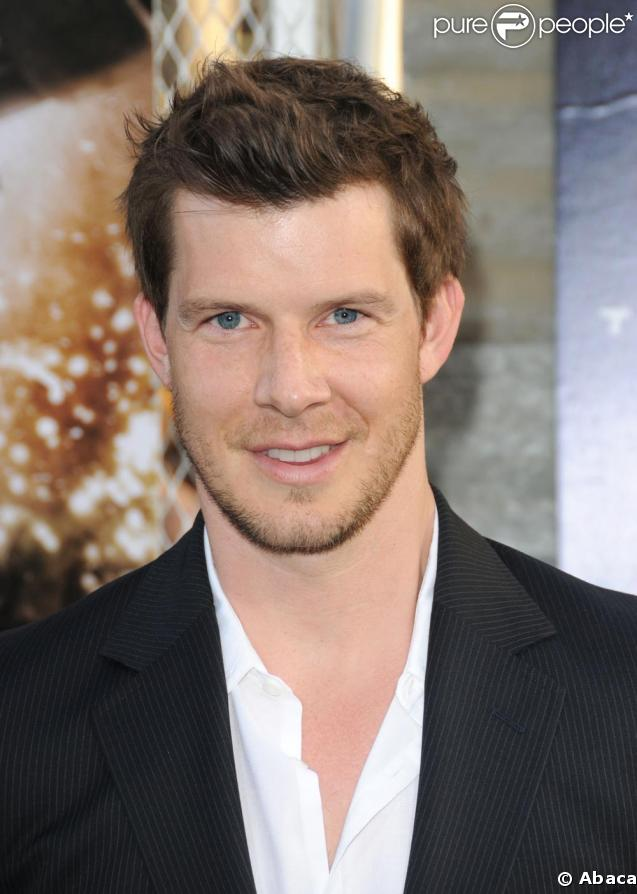 Eric Mabius - Wallpapers