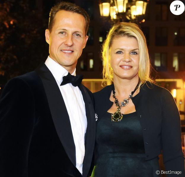 Michael Schumacher, récompensé, et sa femme Corinna lors du 31ème Gala des Légendes du Sport, Deutscher Sportpresseball, a l'Opéra de Francfort. Le 10 novembre 2012.