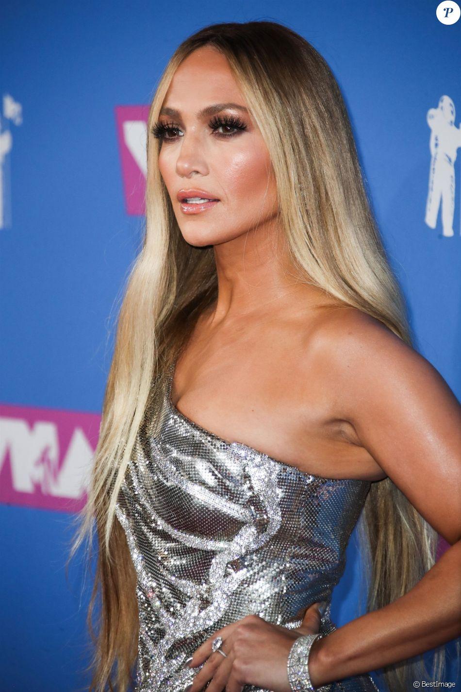 Jennifer Lopez lors du photocall de la cérémonie des MTV ...