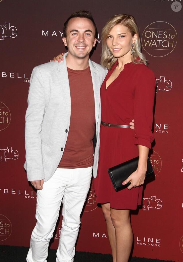Frankie Muniz et sa compagne Paige Price à la soirée 'One's to Watch' à NeueHouse à Hollywood, le 4 octobre 2017.