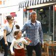 Exclusif - David Beckham et Harper dans le quartier de Bondi à Sydney, le 21 octobre 2018.