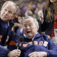 George W. Bush et son père H.W. Bush le 29 octobre 2017 au Maid Park à Houston lors du match 5 des MLB World Series (base-ball). L'ancien président des Etats-Unis est mort à l'âge de 94 ans le 30 novembre 2018.