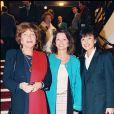 Maria Pacôme, Christine Delaroche et Nicole Calfan à la générale de la pièce Matin Pêcheur en 1995 à Paris