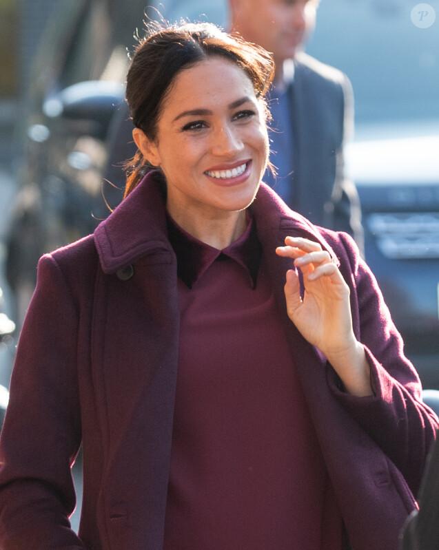 La duchesse Meghan de Sussex (Meghan Markle), enceinte, en visite à la Hubb Community Kitchen à Londres le 21 novembre 2018.