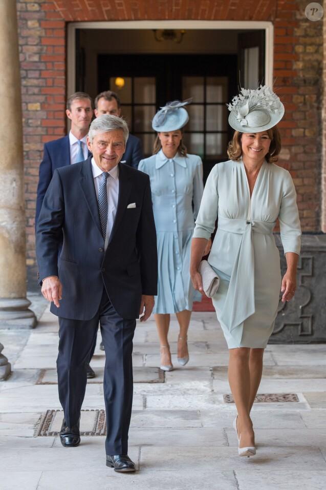 Michael et Carole Middleton - La famille royale d'Angleterre lors du baptême du prince Louis en la chapelle St James à Londres. Le 9 juillet 2018