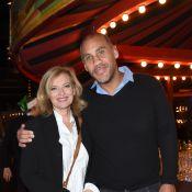 Valérie Trierweiler : Radieuse au bras de Romain Magellan pour un Noël forain
