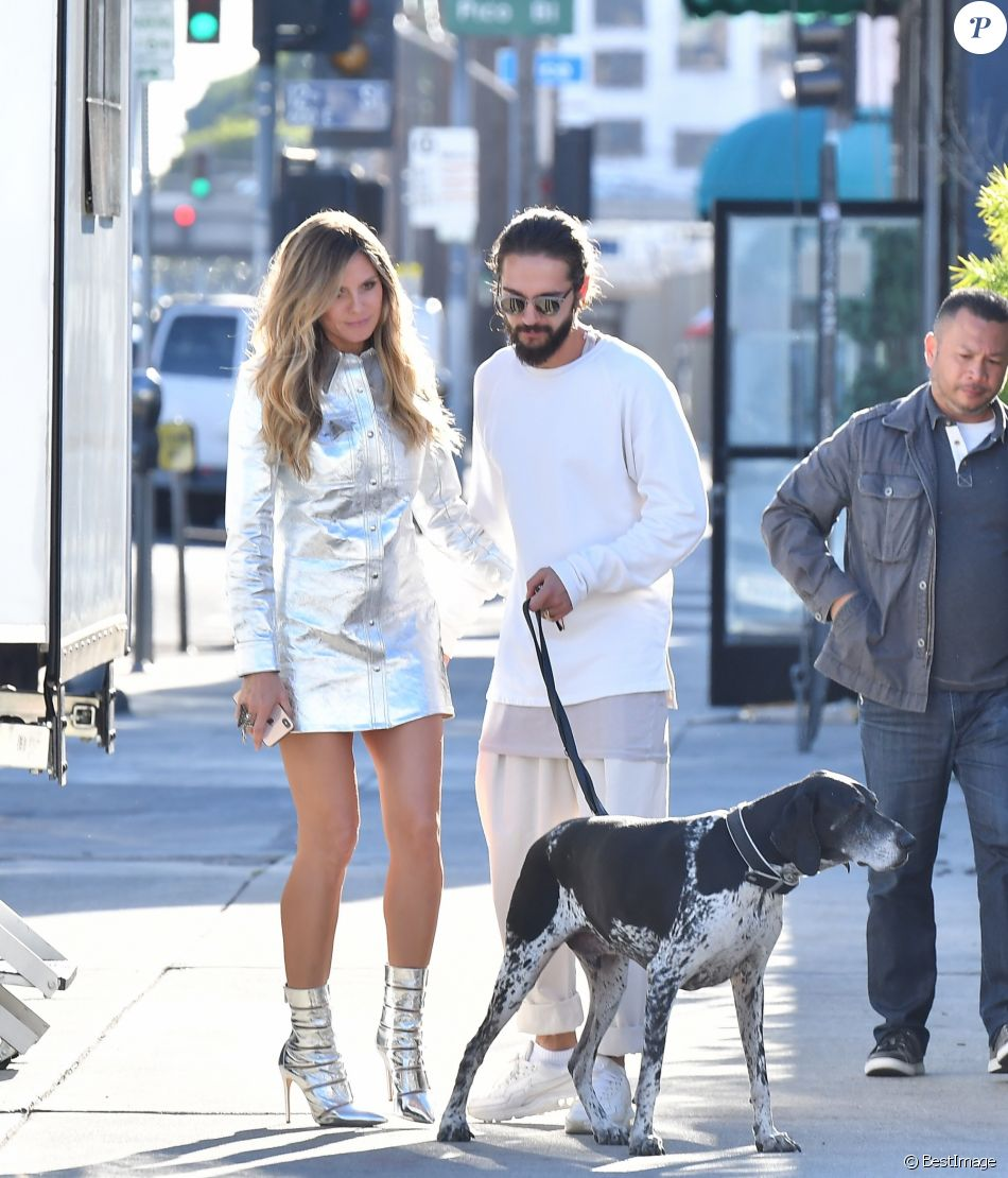 "Heidi Klum embrasse son compagnon Tom Kaulitz lors d'une pause du tournage ""Germany's Next Top Model"" à Los Angeles le 4 décembre 2018."