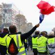 Manifestation du mouvement des gilets jaunes sur les Champs-Élysées, Paris, le 24 novembre 2018. © Stéphane Lemouton / Bestimage
