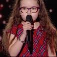 """Emma dans """"The Voice Kids 5"""" sur TF1, le 19 octobre 2018."""