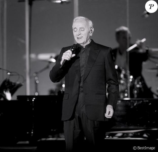 Charles Aznavour en concert au Madison Square Garden à New York, le 15 octobre 2016.