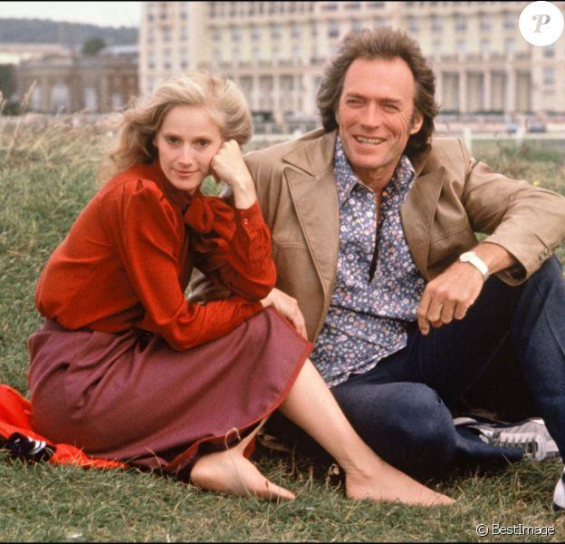 Clint Eastwood et Sondra Locke sur un tournage (non daté)