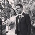 Mandy Moore et le musicien Taylor Goldsmith se sont mariés le 18 novembre 2018 en toute discrétion, à Los Angeles. L'actrice et le chanteur du groupe Dawes étaient ensemble depuis trois ans lors de leurs noces.