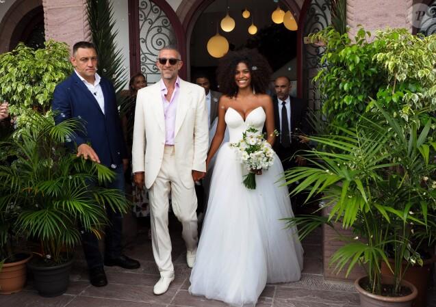 Vincent Cassel et Tina Kunakey se sont mariés à la mairie de Bidart le 24 août 2018. © Patrick Bernard / Guillaume Collet / Bestimage