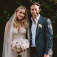 Claire Holt et  Andrew Joblon se sont mariés à Beverly Hills, le 18 août 2018. Huit mois après son divorce avec son premier mari, le producteur Matthew Kaplan, l'actrice américaine s'est fiancée à l'agent immobilier. Les jeunes mariés ont annoncé attendre leur premier enfant en octobre 2018.