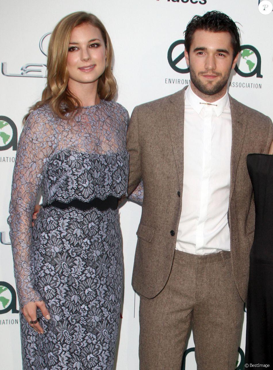 Emily VanCamp, Joshua Bowman - Tapis rouge du Annual Environmental Media Awards à Los Angeles Le 18 Octobre 2014