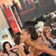Noémie Lenoir en robe Armani lors du 62e Festival de Cannes. 22/05