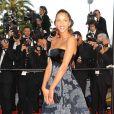 Noémie Lenoir en robe Armani lors du 62e Festival de Cannes