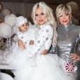 Khloé Kardashian et sa fille True, Kris Jenner à la fête de Noël familiale le 24 décembre 2018.