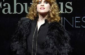 Cécile Cassel en satin, Dita Von Teese à paillettes et Kerry Washington en argent pour... les très élégants Dolce & Gabbana !