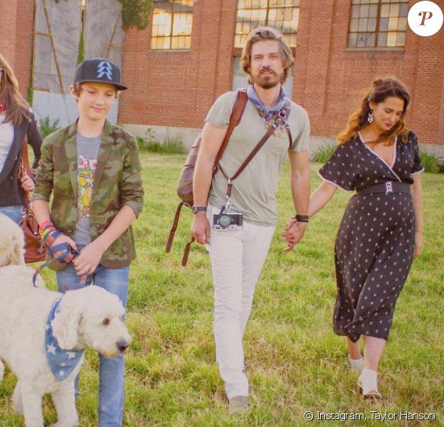 Taylor Hanson, son épouse Natalie et leurs cinq premiers enfants - août 2018.
