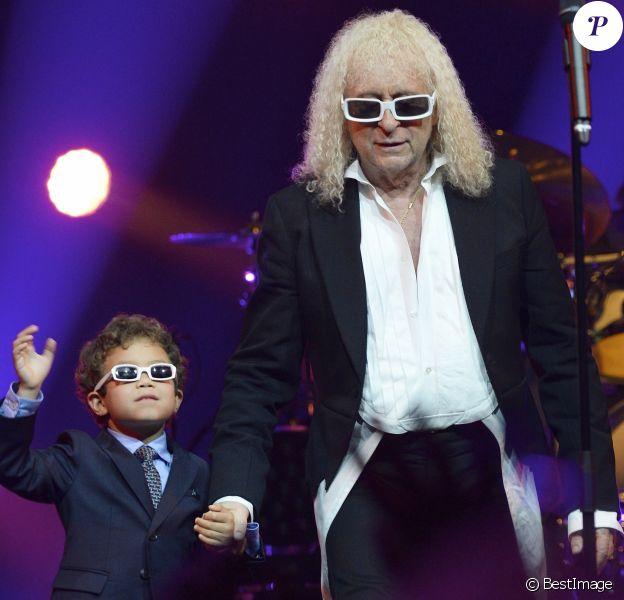 Michel Polnareff et son fils Louka - Jour 4 - Concert de Michel Polnareff à l'AccorHotels Arena de Paris le 11 mai 2016. © Coadic Guirec/Bestimage