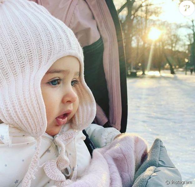 La princesse Adrienne de Suède photographiée par sa maman la princesse Madeleine, photo publiée sur Instagram en janvier 2019 pour la nouvelle année.