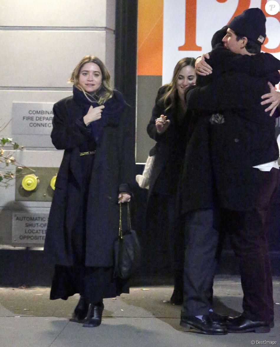 Exclusif - Ashley Olsen et son compagnon Louis Eisner lors d'une sortie nocturne à New York le 13 janvier 2019. Ils sont accompagnées par le frère de Louis, Charlie et sa compagne.
