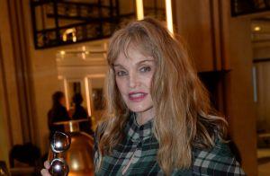 Arielle Dombasle : Son âge, objet de rumeurs, enfin révélé