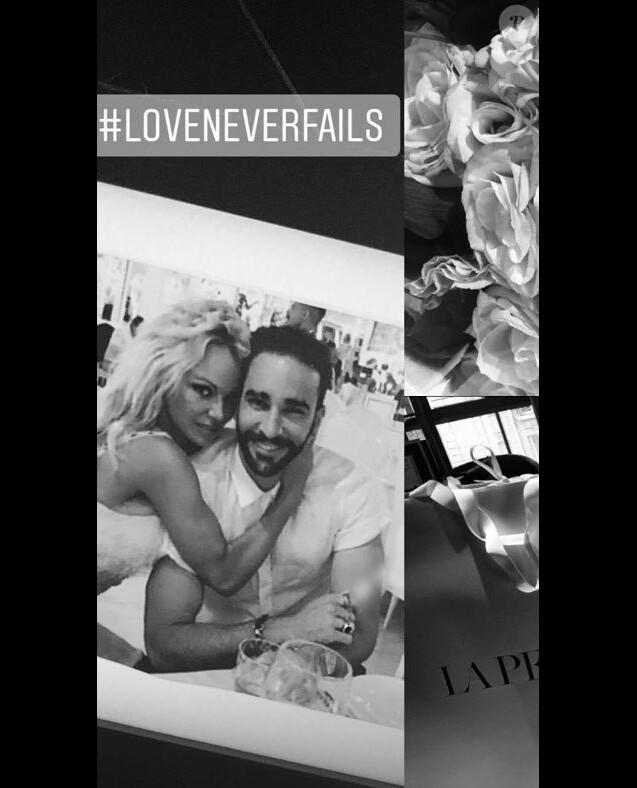 Pamela Anderson publie une photo d'elle et Adil Rami sur Instagram le 27 septembre 2018.